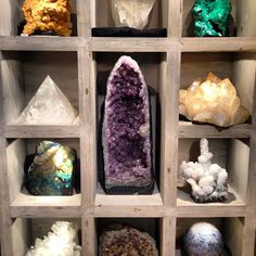 I could have spent hours @geologicgallery #healing #crystals #amazing