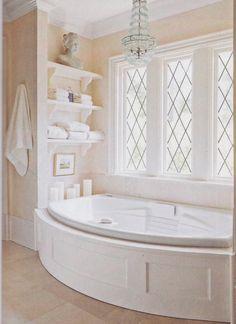 Fenêtre dans la salle de bain