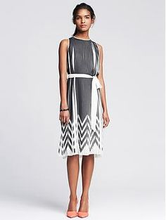Zigzag Pleated Dress | Banana Republic