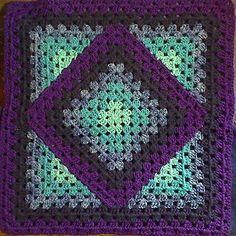 Squared_diamond_granny_small2 Handarbeiten ☼ Crafts ☼ Labores ✿❀⊱╮.•°LaVidaColorá°•.❀✿⊱╮ http://la-vida-colora.joomla.com