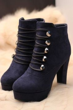 I NEED these....the heel size is perfect! Oh my goodness.... =)