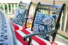 Love the navy floral + red and white stripe cushions for the 4th of July!