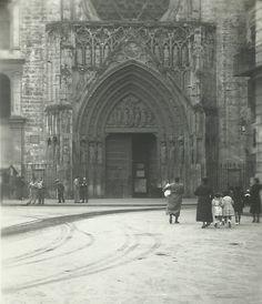 VALENCIA EN BLANCO Y NEGRO Valencia Cathedral, Plaza, Gothic, Nostalgia, Spain, Louvre, Architecture, Pictures, Travel