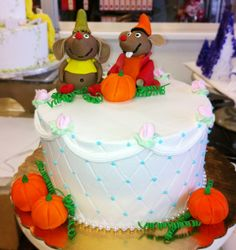 Cake with pumpkins and the mice from Cinderella! Cake # 013.