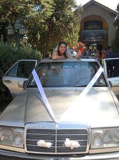 Arriendo lujoso Auto para matrimonios en Santiago  Mercedes Benz 300E, la elegancia de un diplomático, a ..  http://santiago-city.evisos.cl/auto-para-matrimonios-id-55622