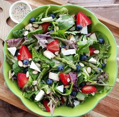 Clean Eating Lemony Poppyseed Dressing http://cleanfoodcrush.com/spring-spinach-salad/