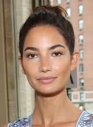 Lily Aldrige and her perfect eyebrows
