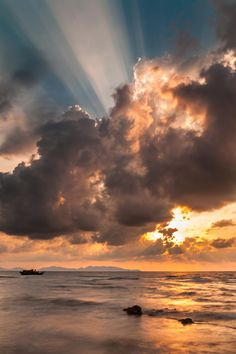 ~~ray | seascape morning in Vung Tau | by Vũ Giang Nam~~