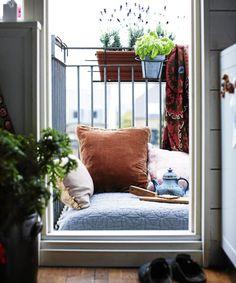 8 Tiny But Amazing Balcony Garden Spaces #refinery29  http://www.refinery29.uk/small-balcony-ideas-garden-furniture