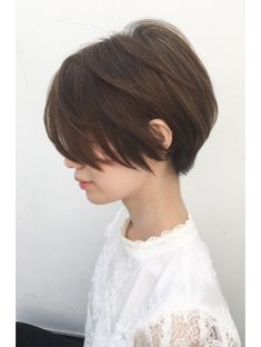 How to dry your pixie cut? Short hair, we do not need to dry it. The goal is that after the shower you can simply wring a little hair with a towel, apply a care product or styling and leave… Continue Reading → Tomboy Hairstyles, Hairstyles Haircuts, Girl Short Hair, Short Hair Cuts, Pixie Cut Thin Hair, Shot Hair Styles, Curly Hair Styles, Korean Short Hair, Japanese Short Hairstyle