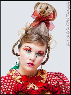 whoville hair and makeup Grinch Christmas Party, Grinch Party, Christmas Makeup, Christmas Costumes, Christmas Carol, Christmas Holidays, Christmas Hair, Christmas Parties, Christmas 2017