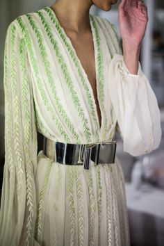 Nicholas Oakwell Couture SS13 - Image courtesy of www.helencathcart.com