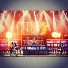 You could bring the devil to his knees #Goodmorning #kiss #heavensonfire #84s #hardrock #heavymetal #PaulStanley #GeneSimmons #TommyThayer #EricSinger #buongiorno #unbuongiornocosi #areyouready #ready #sicomincia #sicominciacosi