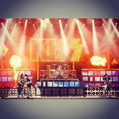 You could bring the devil to his knees #Goodmorning #kiss #heavensonfire #84s #hardrock #heavymetal #PaulStanley #GeneSimmons #TommyThayer #EricSinger #buongiorno #unbuongiornocosi #areyouready #ready #sicomincia #sicominciacosi