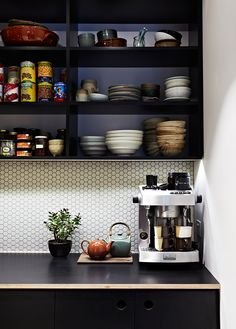 Penny tile. ||. Camberwell Residence | Doherty Design Studio | Est Magazine | Photography Armelle Habib
