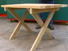 Una mesa de jardín debe ser decorativa, sólida y resistente a la intemperie La estética se consigue sencillamente empleando el material preferido de los bricolegas, la madera. La solidez, montando la estructura sobre patas diseñadas para contrarrestar el