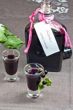 nalewka z czarnej porzeczki Wine Drinks, Alcoholic Drinks, Beverages, Irish Cream, Keto Diet For Beginners, Keto Recipes, Smoothies, Sweet Treats, Perfume Bottles
