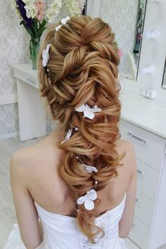 Greek Wedding Hairstyle For The Divine Brides Check out these unique updo wedding hairstyle inspiration,elegant hairstyle inspiration,wedding hairstyle for medium length hair,wedding hair ideas Wedding Hair Side, Elegant Wedding Hair, Vintage Wedding Hair, Wedding Hair Flowers, Flowers In Hair, Greek Wedding, Wedding Updo, Wedding Hairstyles For Long Hair, Elegant Hairstyles
