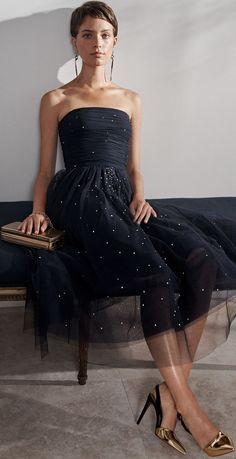 Ralph Lauren Resort Amazing prom dresses with v neck chic party dresses 2019 long sleeve prom dress 2019 evening dresses Fashion Mode, Look Fashion, Curvy Fashion, Street Fashion, Fall Fashion, Fashion Trends, Strapless Dress Formal, Prom Dresses, Formal Dresses