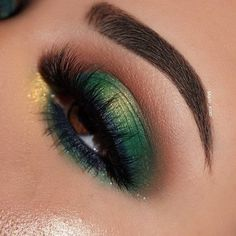 Emerald gilded jade palette Stay put eyeliner in femme fatal Highlighter in day glow precision brow color shade black and brown clear brow boss gel Black bff mascara Kenzie lashes porcelain concealer and loose glitter and go pigment in rage Green Eyeshadow Look, Colorful Eye Makeup, Makeup For Green Eyes, Colorful Eyeshadow, Eyeshadow Looks, Eyeshadow Makeup, Eyeshadow Palette, Eyeshadow Designs, Green Eyeliner