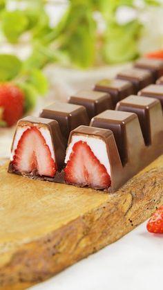 Chocolate Covered Strawberries, Strawberries And Cream, Homemade Chocolate, Chocolate Oreo, White Chocolate, Chocolates Gourmet, Baking Recipes, Dessert Recipes, Truffle Recipe