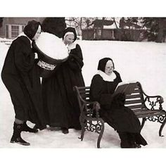 Nuns Having Fun 2012 Calendar (Wall Calendar)