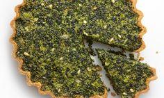 Yotam Ottolenghi's kale and swiss chard tart (boerenkool en snijbiet/warmoes) Yotam Ottolenghi, Ottolenghi Recipes, Vegetable Recipes, Vegetarian Recipes, Cooking Recipes, Healthy Recipes, Veggie Meals, Vegetable Sides, Healthy Food