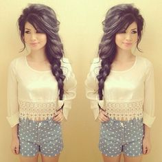 I actually like this girl's whole look. Almost couldn't decide whether to put it into Fashion or Hairstyles but her hair is just . . . too fab. :)