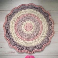 עושה עיניים - שטיח סרוג מחוטי טריקו || Osa Einaim - T-shirt yarn trapillo crochet rug