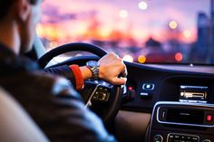 Lyft vs Uber for drivers, which one is more profitable? These two are the major players in rideshare. But, which one pays more to its partners? Driving School, Self Driving, Driving Test, Drunk Driving, Driving Rules, Distracted Driving, Night Driving, Automobile, E Mobility