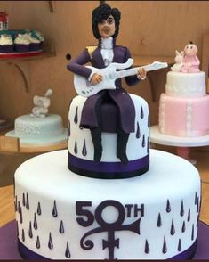 I want this cake! Prince Cake, Prince Party, My Prince, Beautiful Cakes, Amazing Cakes, Prince Birthday Theme, 50th Birthday, Prince Tattoos, Prince Purple Rain