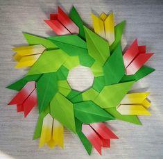 Ideas origami tutorial etoile decoration for 2019 Origami Wreath, Origami Star Box, Origami Envelope, Origami And Kirigami, Origami Ball, Origami Fish, Origami Paper Art, Origami Stars, Paper Crafts