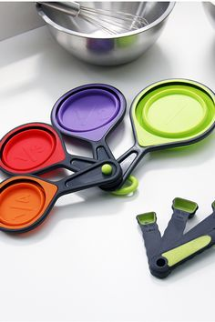 Space-Saving Measuring Cups and Spoons <3