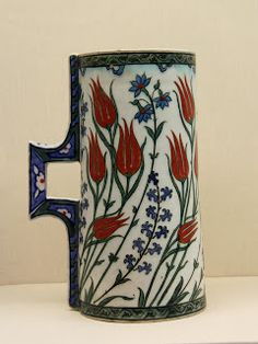 Iznik, 16th century.Try-out: Tulips from the Gulbenkian Museum