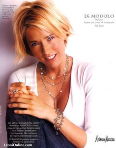 Téa Leoni in Di Modolo's Triadra collection