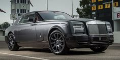 Image from http://karage.tv/en/wp-content/uploads/2014/01/Rolls-Royce-Phantom-Coupe-Chicane-edition-3.jpg.