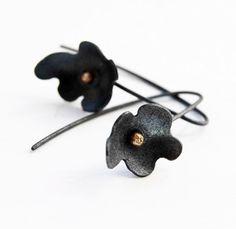 Oxidized Sterling Silver Earrings. 18kt Gold. Black. Dangle. FLEUR NOIRE Long Earrings. Handmade by Maria Goti Joyas.