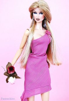 Vanessa Shock Bombon with Barbie Fashion Fever dress
