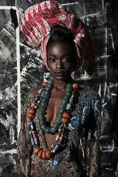 Women in Fashionable Hair Turban, Hair Scarf Styles: Leslie Allen - Headband Scarves - Turban Style Headband Galleries: Leslie Allen African Head Scarf, African Head Wraps, Beautiful Dark Skinned Women, Beautiful Black Women, Beautiful Things, Beautiful People, Afro, Turbans, African Women