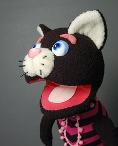 buikspreek-kat  ventriloquist puppet by Fumiko Inoue