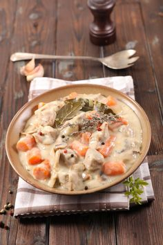 Blanquette de veau facile - The Best For Dinner Healthy Recipes Quick Recipes, Vegan Recipes Easy, Quick Easy Meals, Meat Recipes, Mexican Food Recipes, Appetizer Recipes, Cooking Recipes, Ethnic Recipes, Veal Stew