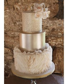 Discover latest Luxury Wedding Cakes trends, Luxury Wedding Cakes inspration, style and other ideas to try. Get updated with Luxury Wedding Cakes and latest articles including celebrities, fashion, hot trends and much more! Cream Wedding Cakes, Big Wedding Cakes, Elegant Wedding Cakes, Beautiful Wedding Cakes, Wedding Cake Designs, Beautiful Cakes, Amazing Cakes, Wedding Cake Gold, Wedding Themes