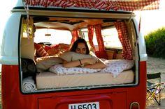 Bett - Bed - Matratze - Mattress  VW T2 Westfalia Camperbus  Campervan  VW-Bus mieten auf Mallorca - Rent a Classic Mallorca  Schlafen im VW-Bus  Ferien Holidays  Idee  Coco-Vin-Rouge