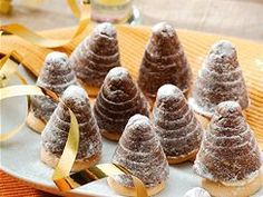 Vyzkoušejte 50 tipů a receptů na cukroví - iDNES.cz Mini Cupcakes, Waffles, Food And Drink, Breakfast, Desserts, Morning Coffee, Tailgate Desserts, Deserts, Postres