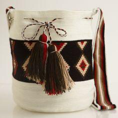 Hermosa Wayuu Mochila | WAYUU TRIBE WAYUU TRIBE | Handmade Bohemian Bags
