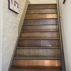 Um, now we wish we had stairs! - Patinated Brass Cladding on stairs. Painted Staircases, Painted Stairs, Balustrades, Banisters, Escalier Design, Staircase Remodel, Staircase Makeover, Stair Decor, House Stairs