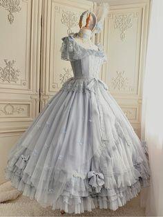 Pretty Prom Dresses, Beautiful Dresses, Nice Dresses, Old Fashion Dresses, Iconic Dresses, Royal Dresses, Ball Gown Dresses, Kawaii Dress, Fantasy Gowns