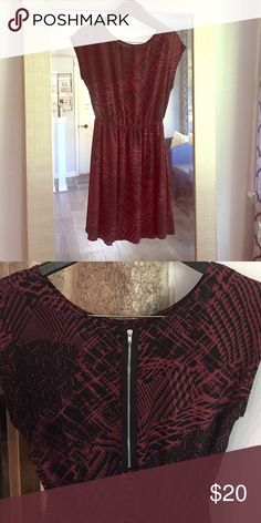 Cinched waist Dress Maroon and black patterned cliched waist dress. Silver exposed zipper in back. Dresses Midi