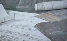 In gut sortieren Baumärkten gibt es diese Tapeten in sämtlichen Holz-, Metall- und Steinoptiken. Für kleine Ausschnitte durchaus eine kostengünstige Alternative. Der durchschnittliche Preis für eine qualitativ hochwertige Tapete liegt bei ca. 20€.