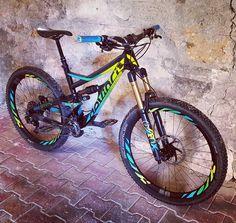 """Quentin on Instagram: """"Fresh build of FJ on a devinci spartan frameset. Ready for a next hot or not ? #mtb #devinci #spartan #vtt #bicycle #btt #enduro #ewsready…"""""""